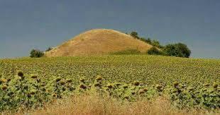 گنج تپه های باستانی