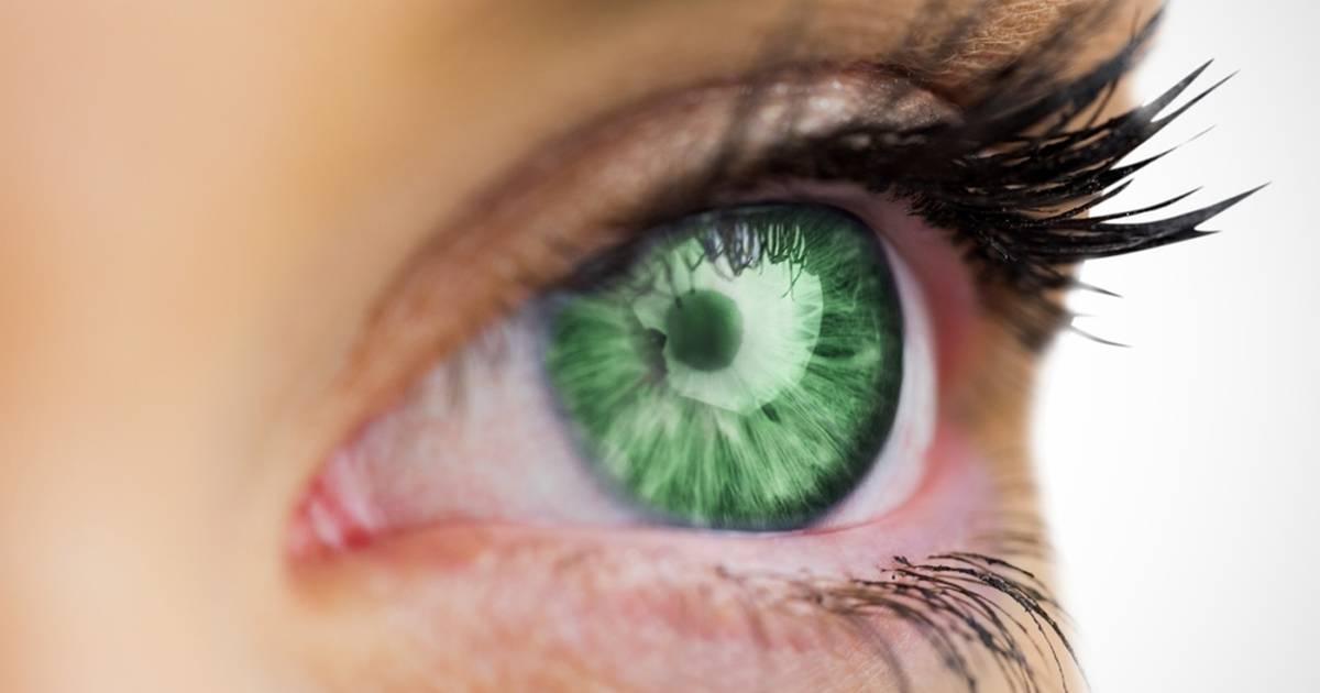 آموزش تغییر رنگ چشم سبز