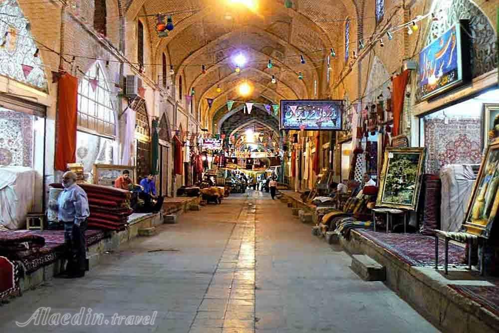 دانلود پاورپوینت بازار قیصریه اصفهان