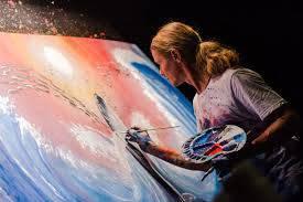 تحقیق هنرمند کیست؟