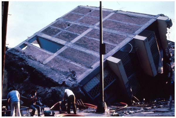 پی سطحی تحت بار زلزله