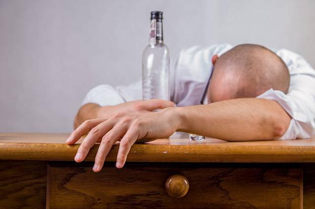 سابلیمینال ترک نوشیدنیهای الکلی